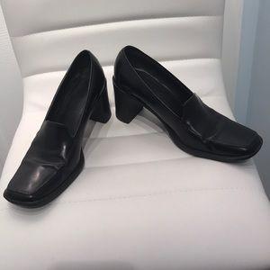 Coach | Leather Burgundy ELSA square toe heel pump